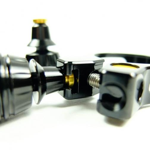 座管束雙尾燈